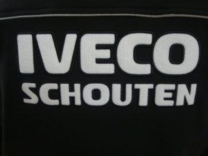 groot wit ruglogo Iveco Schouten